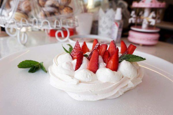 cakevan pavlova
