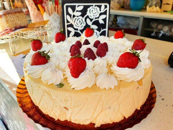tort diplomat cu fructe cakevan